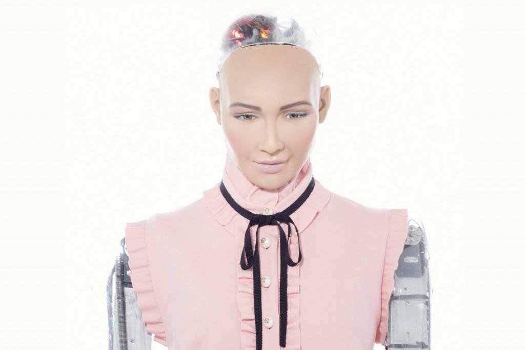 humanoid-robot-sophia-turkiyede